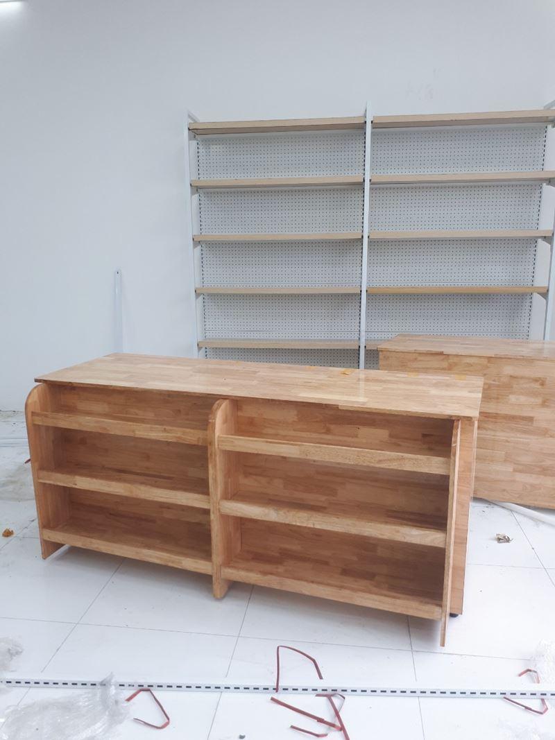 Bàn thu ngân siêu thị bằng gỗ